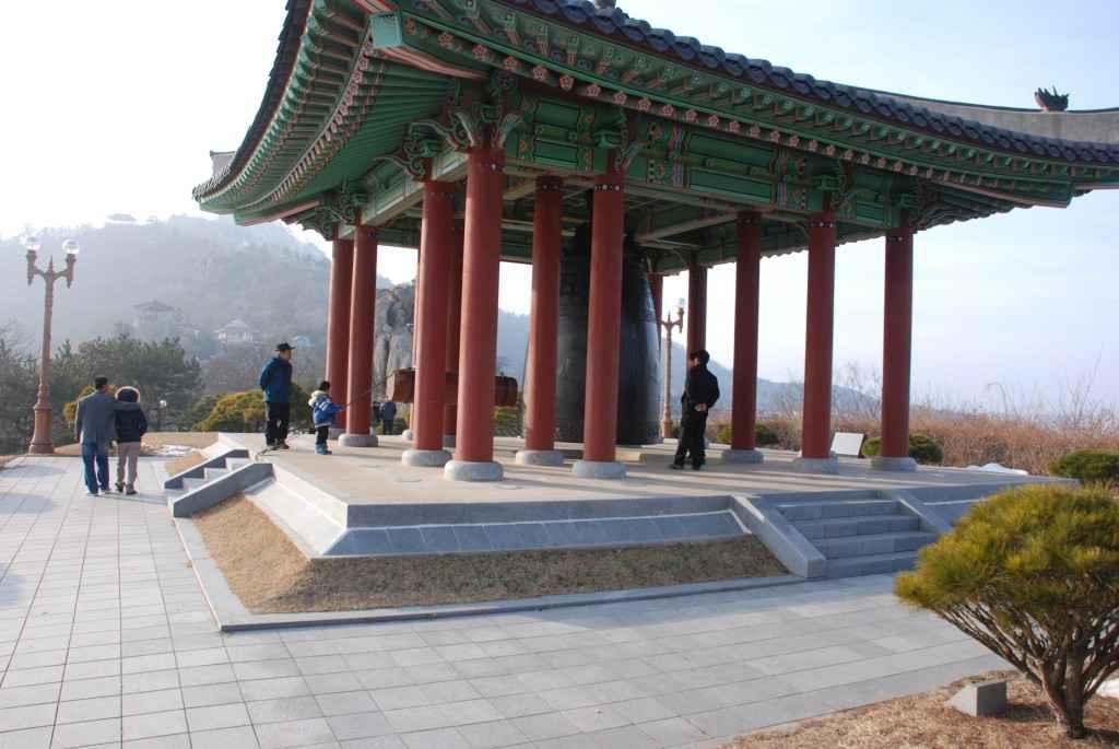yudal-san park pagoda mokpo