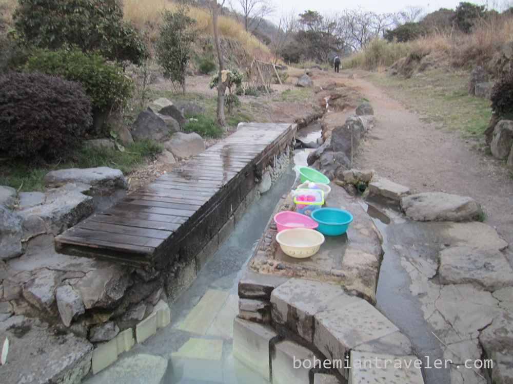 Tsuru no yu onsen hot spring in Beppu Japan (2)