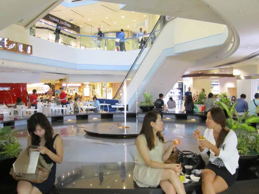 singapore mall fountain