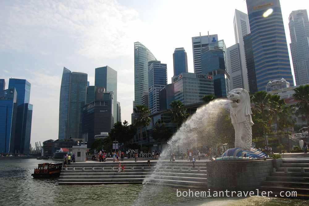 Merlion and skyline Singapore